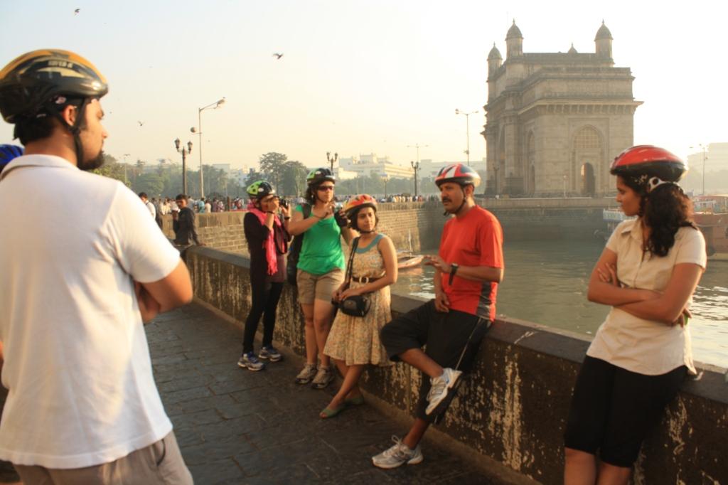 Jayesh Explaining the Mumbai story