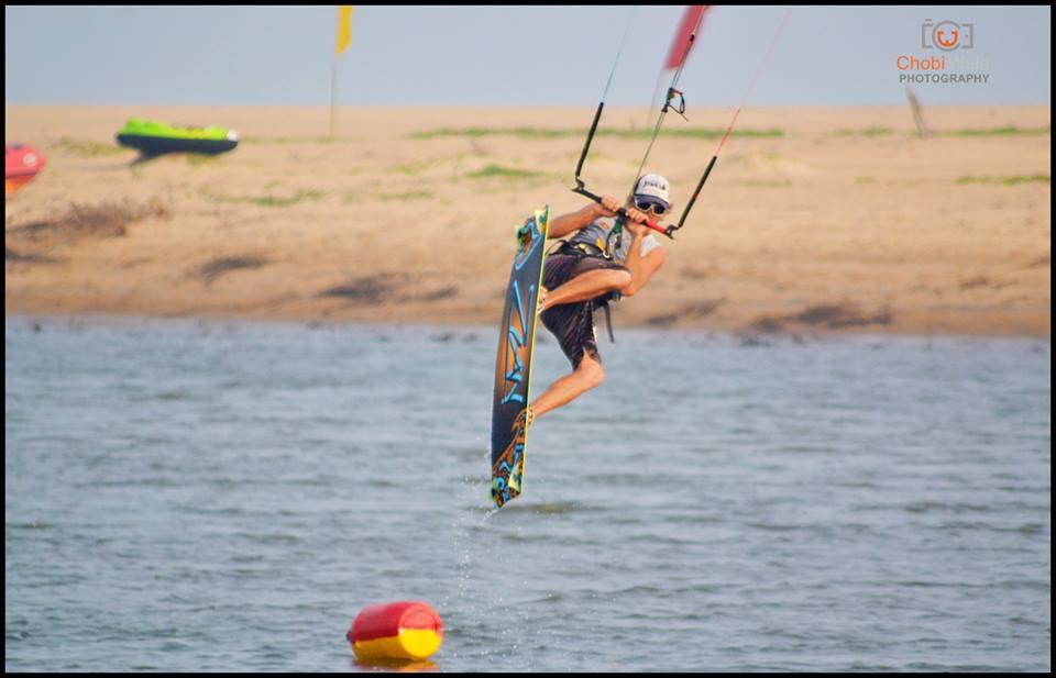 kitesurfing srilanka